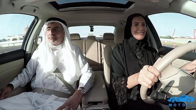 직접 자동차를 운전하는 사우디 여성