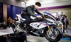 슈퍼스포츠 바이크, BMW 'HP4 레이스' 최초 공개