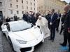 9억에 낙찰된 프란치스코 교황의 '우라칸'