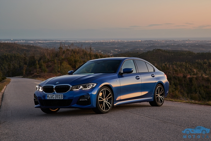 P90332427_highRes_the-all-new-bmw-330i.jpg
