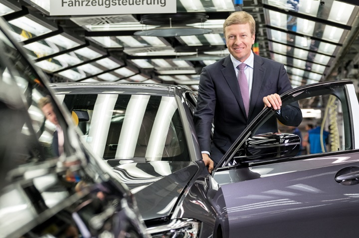 사진_BMW 그룹, 신임 회장에 올리버 집세 선임 (2).jpg