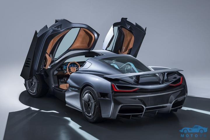 c_two-studio-rear-doors-up.jpg